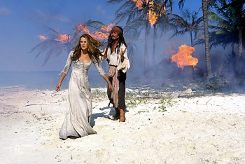 Captain Sparrow (Johnny Depp) and Elizabeth (Keira Kneightley) on Petit Tabac in the Tobago Cays