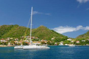 Day trip to Les Saintes: by sailing catamaran