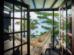 Cottage: balcony with Hammock