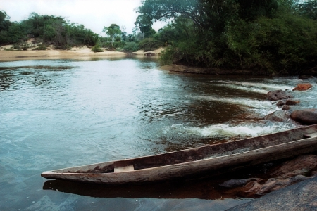Amerindian canoe: the rivers are still the main traffic ways